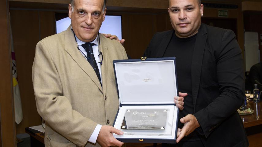 LaLiga reconoce el éxito del R.Betis Féminas  y la UD Tacuense por su ascenso a la  Primera División Femenina