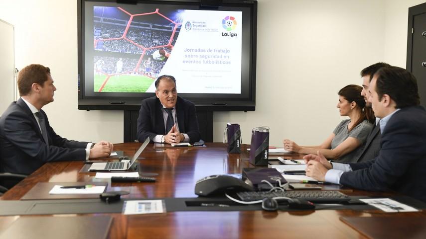 LaLiga y el gobierno de Argentina trabajan juntos por la seguridad en el fútbol