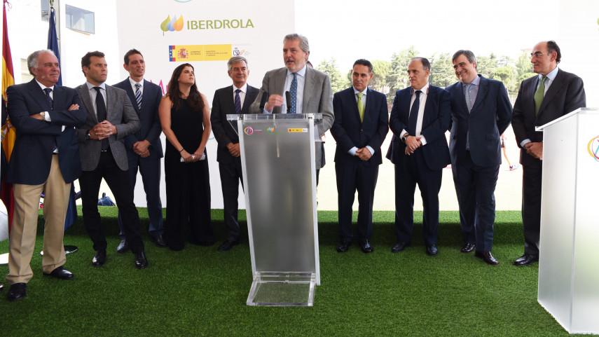 """Javier Tebas: """"Hoy es un día grande, Iberdrola ha apostado por el fútbol femenino y nosotros también"""""""