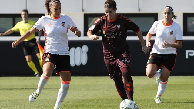 El Valencia mantiene el ritmo del Barça y lleva pleno de victorias