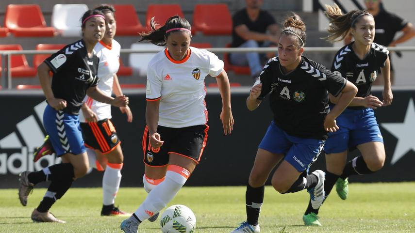Mari Paz y Paula Moreno arrancan la Liga Iberdrola como máximas goleadoras