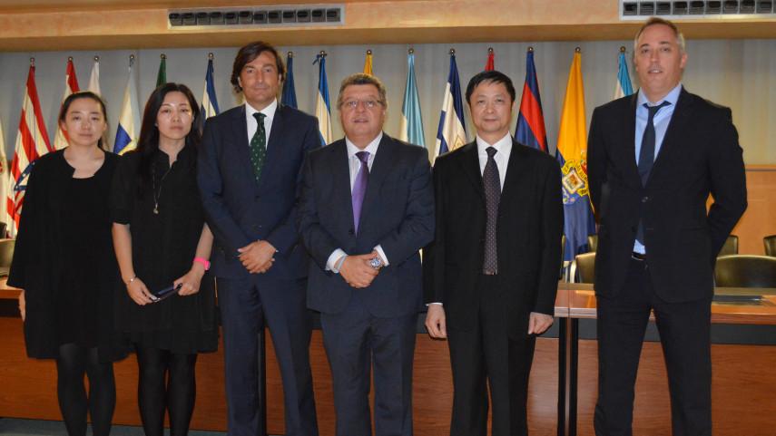 Representantes del Ministerio de Educación de China y CEIEA visitaron la sede de LaLiga