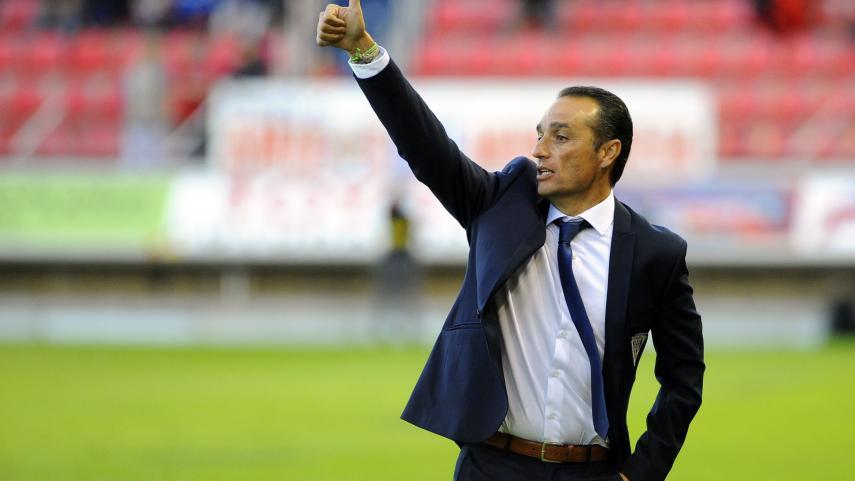 José Luis Oltra dirigirá al Granada