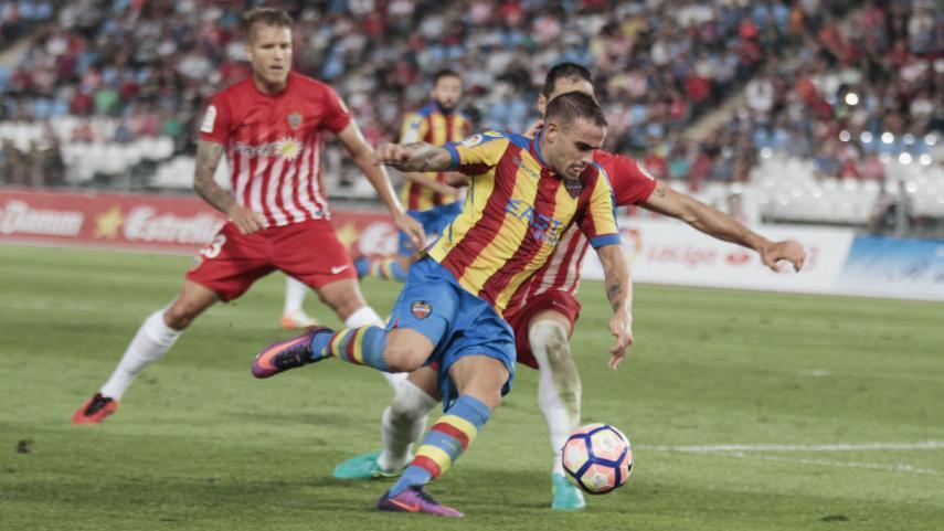 El Levante sigue líder de LaLiga 1|2|3 por sexta jornada consecutiva