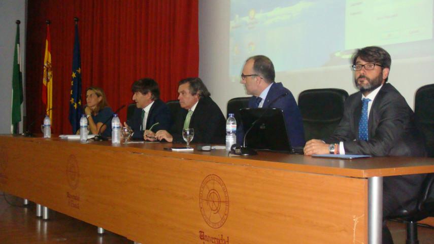 Javier Gómez inaugura el 'I Seminario sobre Derecho y Deporte' en la UHU