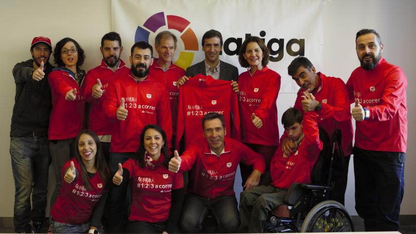 LaLiga recibe en Nueva York a la expedición de corredores de '1l2l3 a correr'
