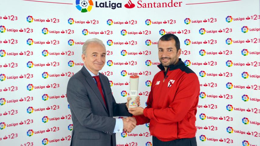 Diego Martínez, Mejor Entrenador de LaLiga 1l2l3 en octubre
