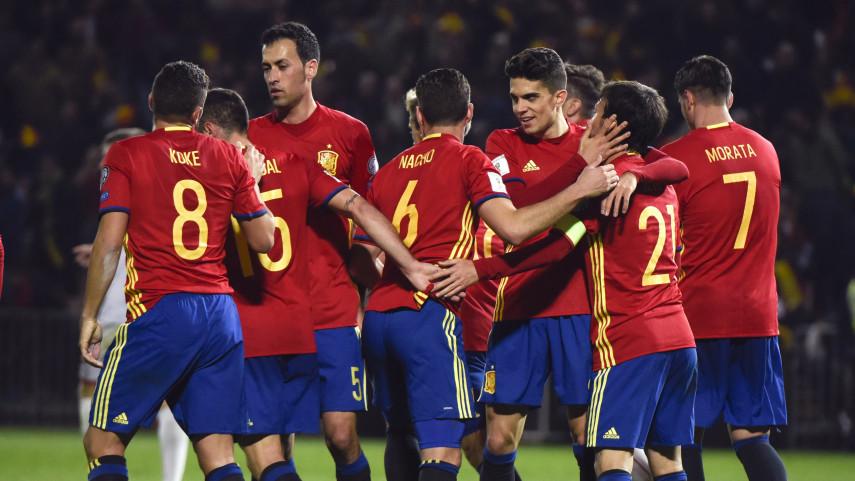 La selección española golea a Macedonia