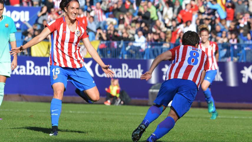 El Atlético de Madrid se pone líder ante más de 13.000 espectadores en el Calderón
