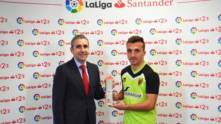 Pablo Valcarce named LaLiga 1l2l3 Player of the Month for November