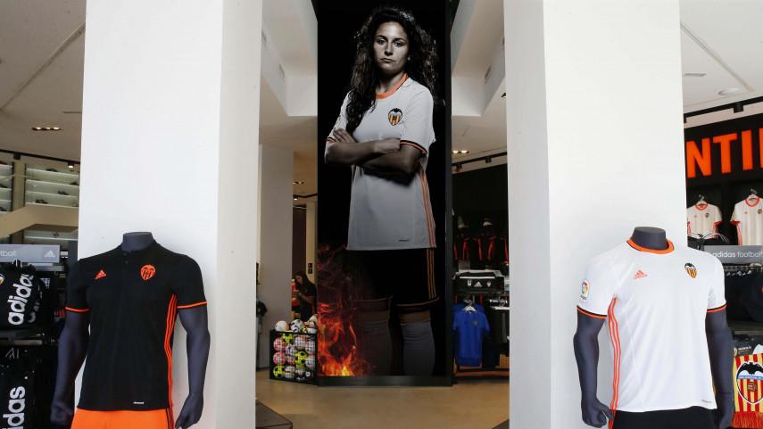 La Liga Femenina Iberdrola en las tiendas oficiales