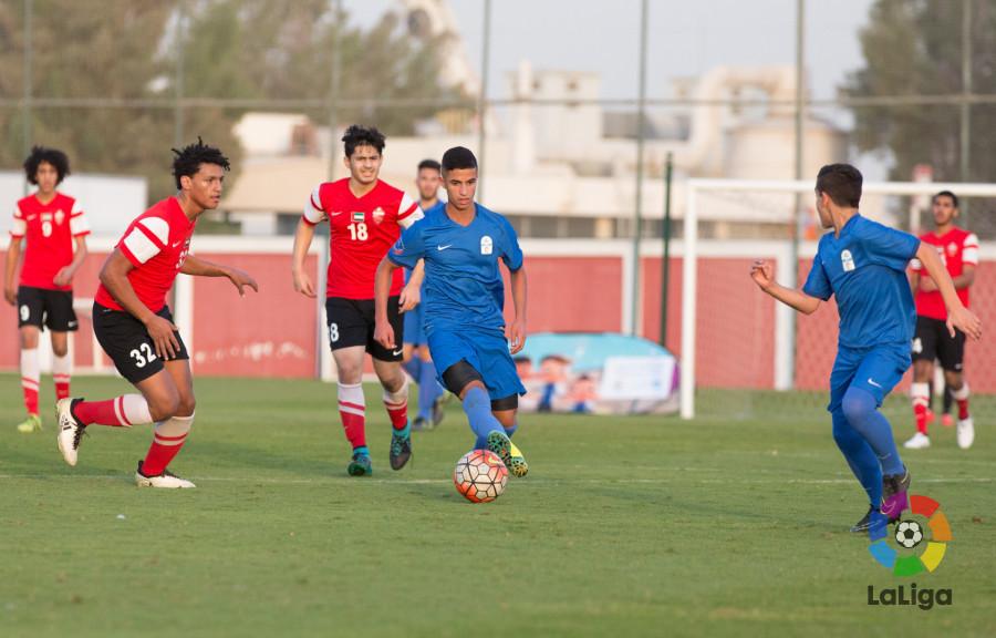 LaLiga colabora en la creación de una liga entre academias de fútbol en  Emiratos Árabes Unidos f1bbc1740bc52
