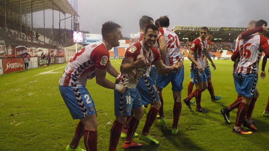 El Tenerife continúa con su buena dinámica y el Lugo entra en puestos de play-offs