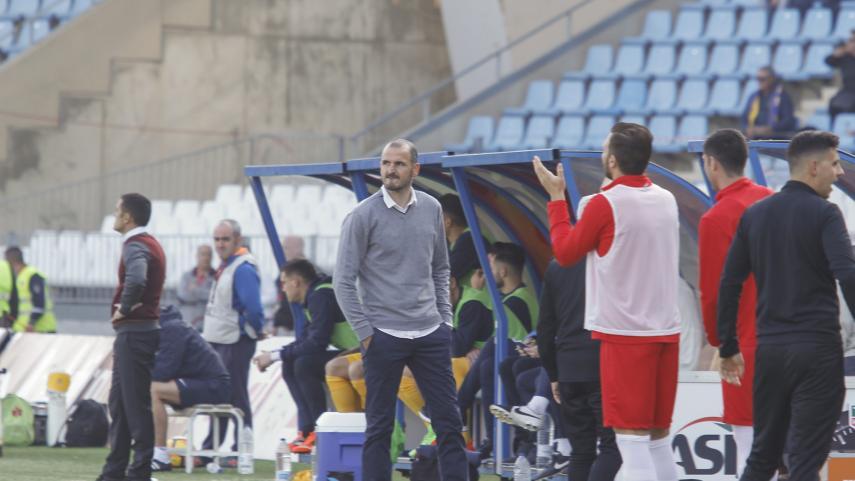 Fernando Soriano deja de ser entrenador del Almería
