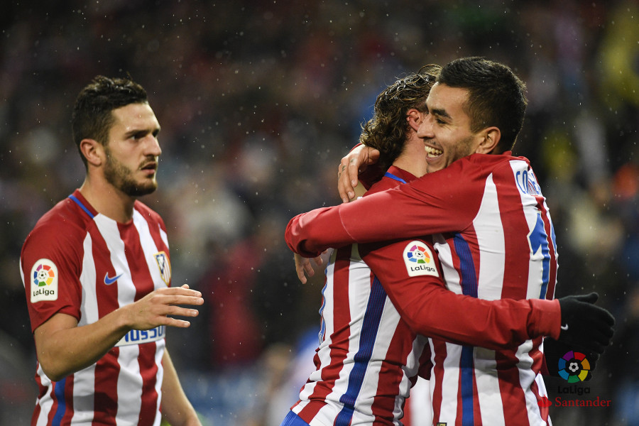 «Севилья» разгромно проиграла «Валенсии» вчемпионате Испании пофутболу