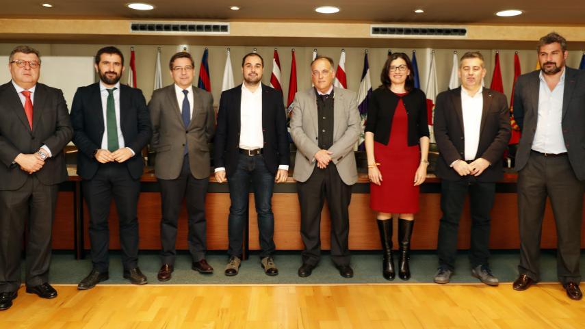 LaLiga se reúne con los grupos parlamentarios del Congreso y del Senado