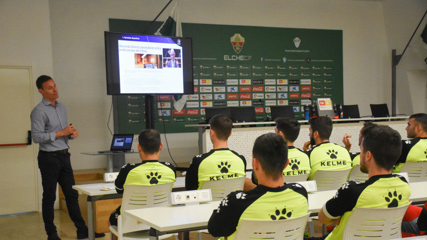 Los talleres de integridad de LaLiga visitan a Elche, UCAM Murcia y Villarreal