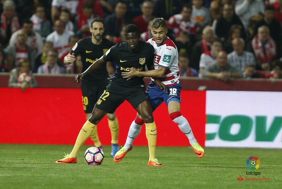 El Atlético de Madrid sufre en Los Cármenes