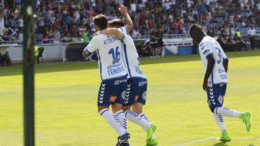 El Tenerife pisa el acelerador y alcanza la tercera plaza de la Liga 1l2l3