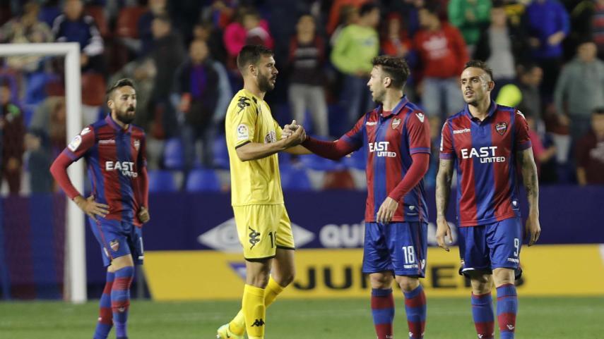 El Levante pisa el freno en una jornada propicia para Getafe y Rayo