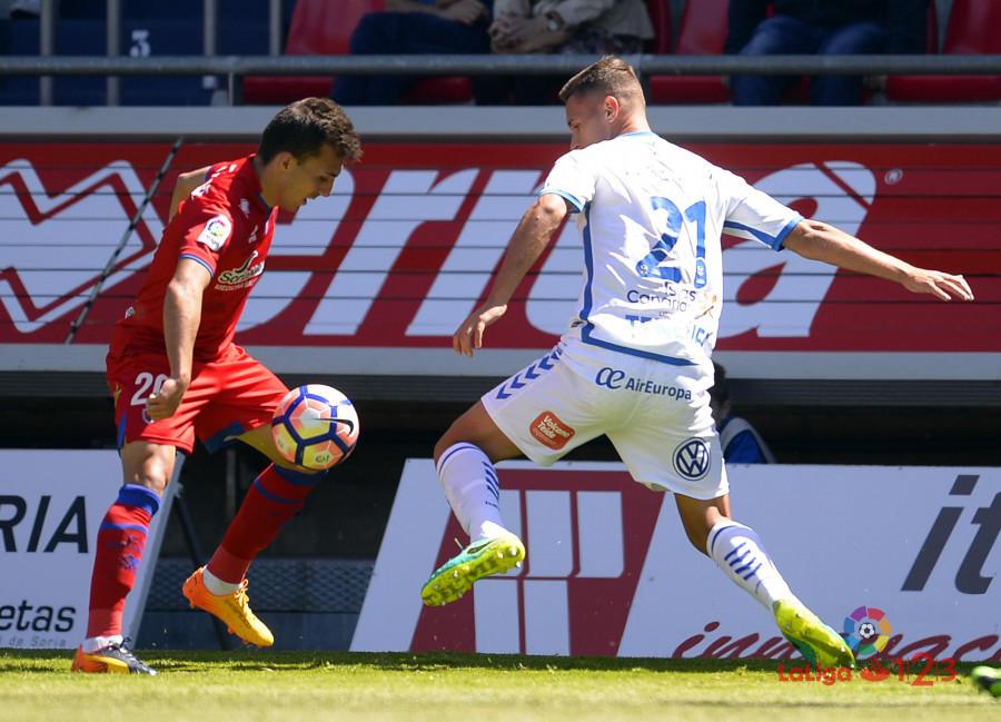 Dani Calvo salva un punto en el descuento (Numancia 1 - Tenerife 1) | Imagen 2