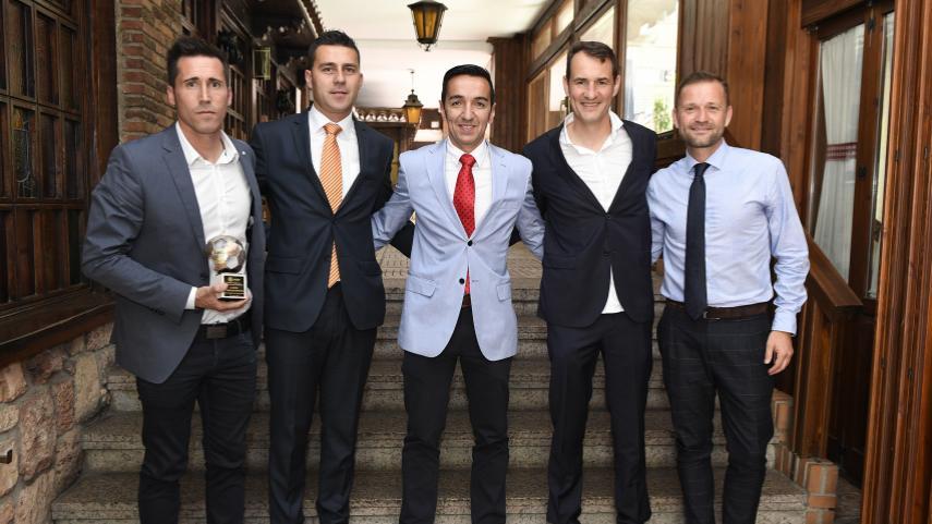 Los delegados de los clubes y los árbitros reciben el reconocimiento de LaLiga