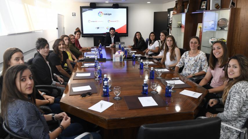 Las capitanas de LaLiga Femenina Iberdrola se reúnen en LaLiga