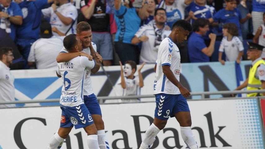 El Tenerife da el primer paso en la final del play-off de LaLiga 1l2l3