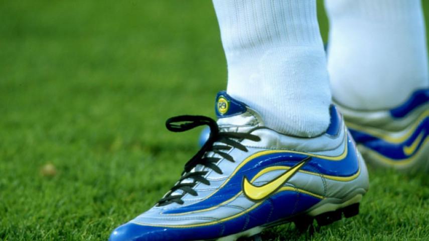 ¿A qué futbolista corresponden estas botas de fútbol?