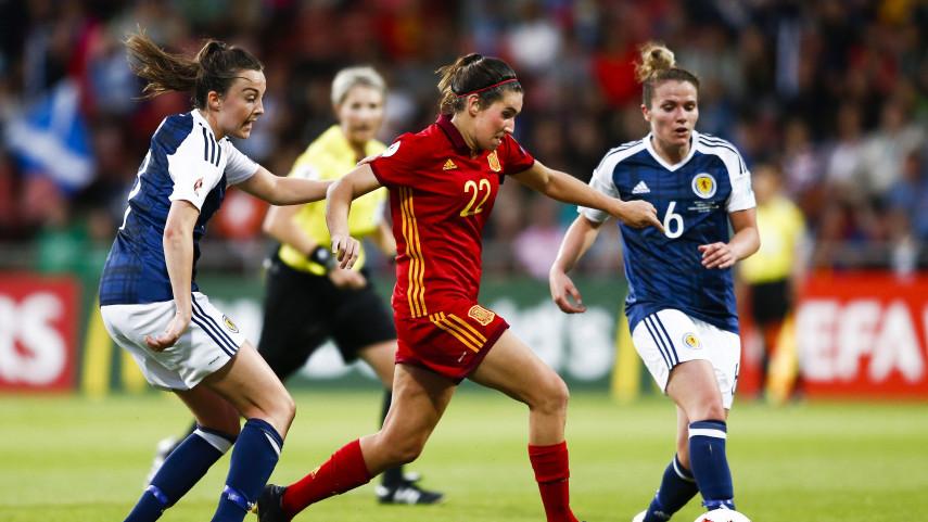 España pasa los cuartos de la Eurocopa a pesar de la derrota ante Escocia