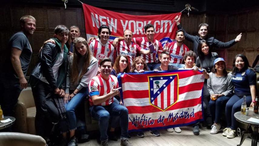 Las Peñas de Atlético y Real Madrid vibran con el derbi