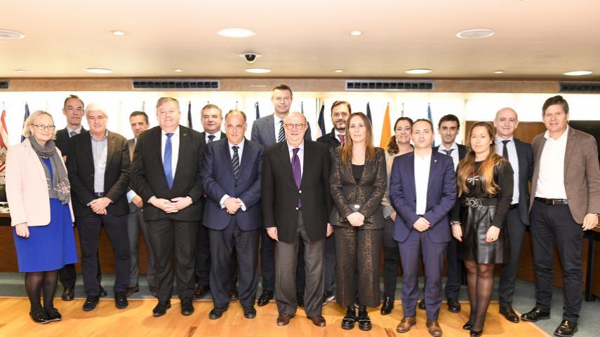 El Intergrupo de Deportes del Parlamento Europeo se reúne en LaLiga en una jornada de intercambio
