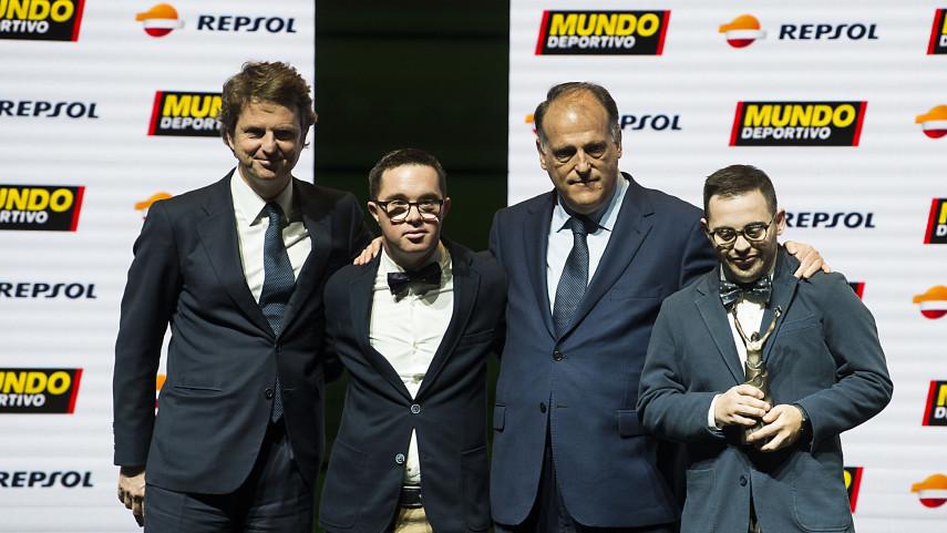 LaLiga Genuine recibe el 'Trofeo Mundo Deportivo'