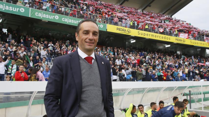 José Luis Oltra deja de ser entrenador del Granada CF