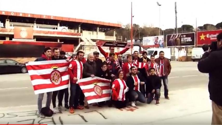 Viajamos con las peñas del Girona en su primer derbi liguero en el Camp Nou