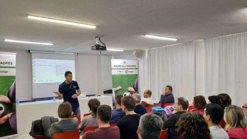 Escuela de Padres en Pamplona: así es el proyecto Tajonar 2017