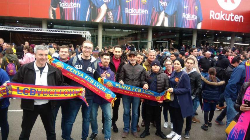La Penya FCBlaugrana Lyon hace realidad el sueño de Souhail