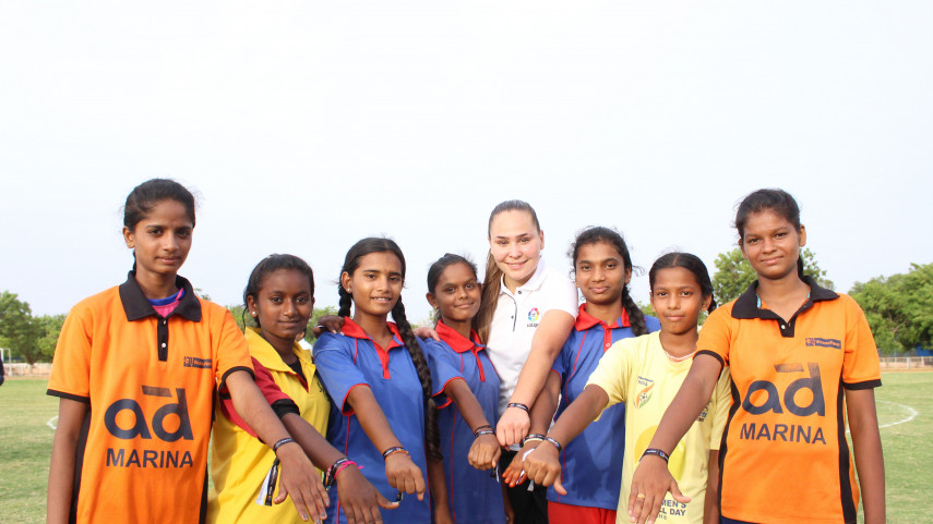 Irene Guerrero participa en un clinic de tres días con jóvenes futbolistas de la Liga de Fútbol de Anantapur