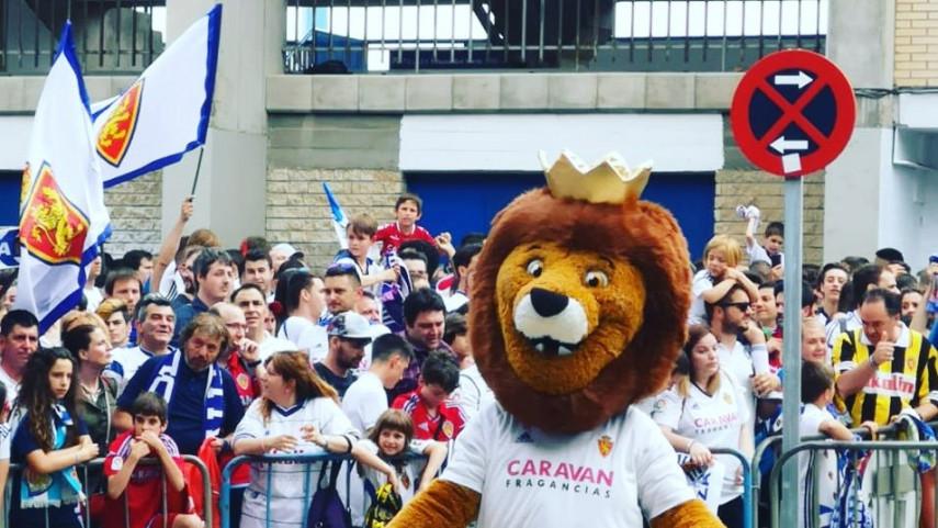 Zarpa, la mascota de la Federación de Peñas del Real Zaragoza