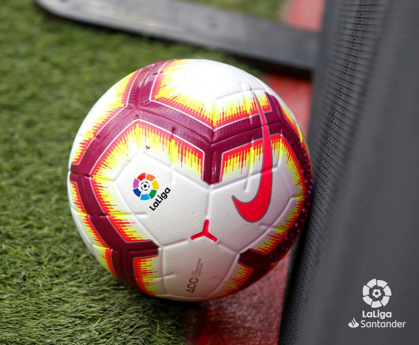 صور مباراة : برشلونة - هويسكا 8-2 ( 02-09-2018 )  W_900x700_02181907_b3z2231