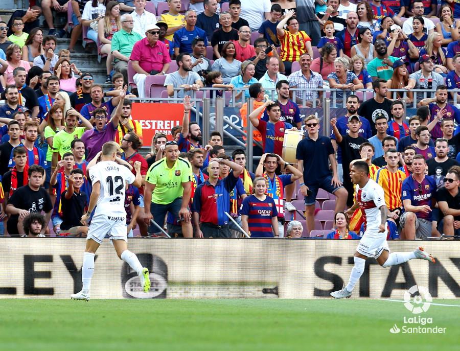 صور مباراة : برشلونة - هويسكا 8-2 ( 02-09-2018 )  W_900x700_02183803_b3z2318