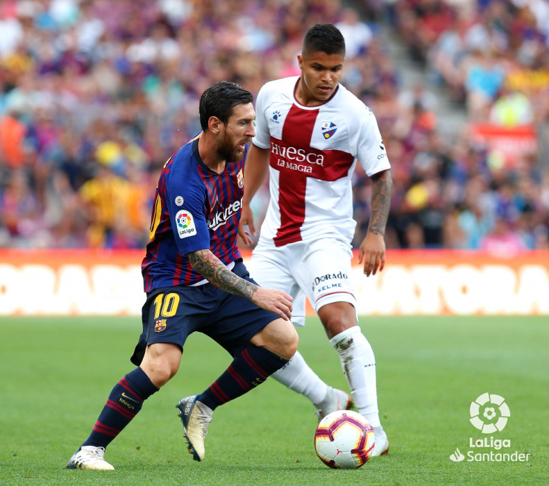 صور مباراة : برشلونة - هويسكا 8-2 ( 02-09-2018 )  W_900x700_02184818_b3z2405
