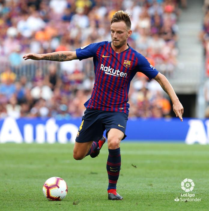 صور مباراة : برشلونة - هويسكا 8-2 ( 02-09-2018 )  W_900x700_02185523_b3z2412