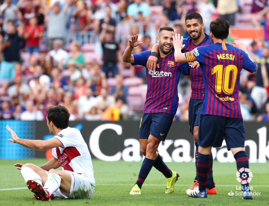 صور مباراة : برشلونة - هويسكا 8-2 ( 02-09-2018 )  W_900x700_02190116_b3z2530