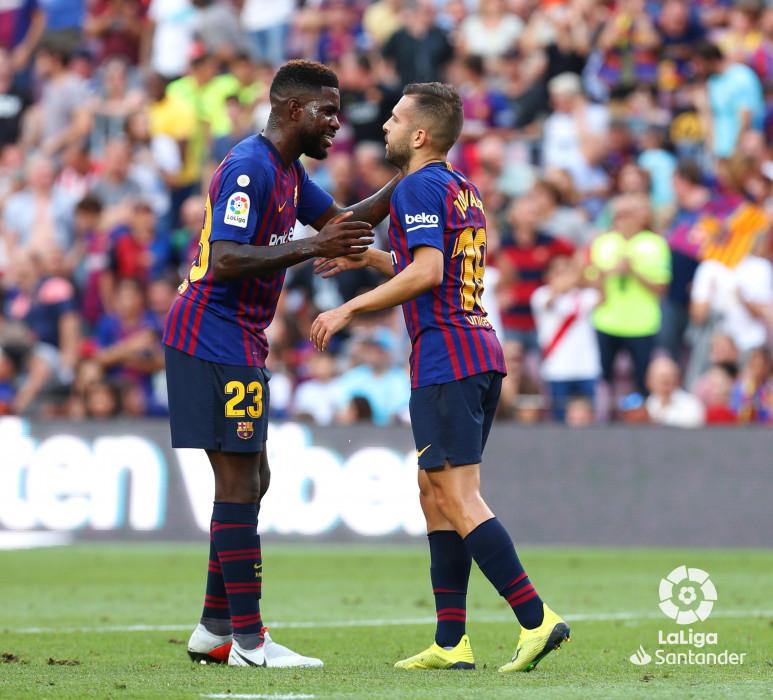 صور مباراة : برشلونة - هويسكا 8-2 ( 02-09-2018 )  W_900x700_02190317_b3z2569