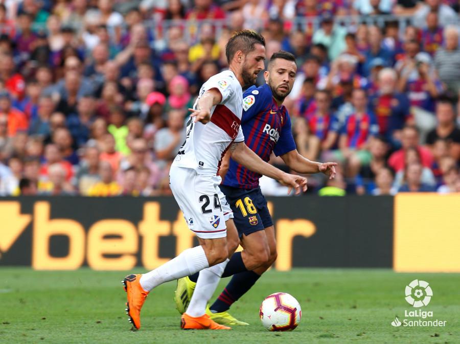 صور مباراة : برشلونة - هويسكا 8-2 ( 02-09-2018 )  W_900x700_02190743_b3z2586