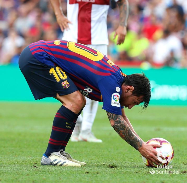 صور مباراة : برشلونة - هويسكا 8-2 ( 02-09-2018 )  W_900x700_02190929_b3z2592