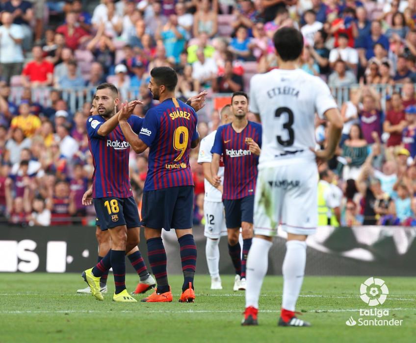 صور مباراة : برشلونة - هويسكا 8-2 ( 02-09-2018 )  W_900x700_02191656_b3z2673
