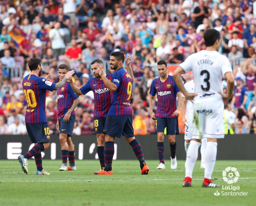 صور مباراة : برشلونة - هويسكا 8-2 ( 02-09-2018 )  W_900x700_02191724_b3z2683