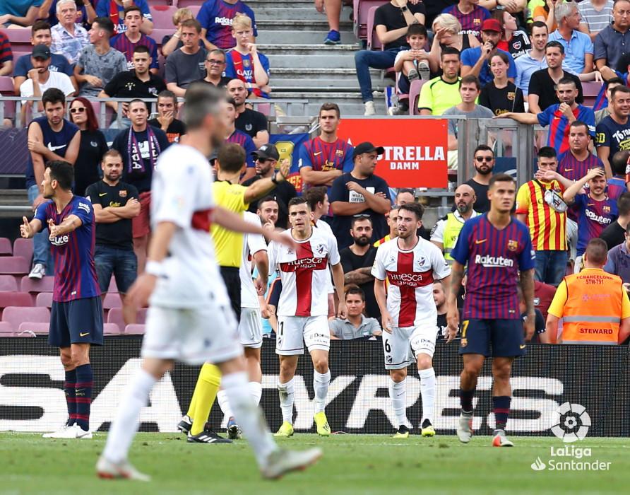صور مباراة : برشلونة - هويسكا 8-2 ( 02-09-2018 )  W_900x700_02194157_b3z2721